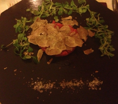 Beef tartare with white truffles