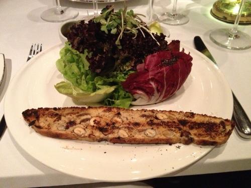 Salad with crispy nut bread